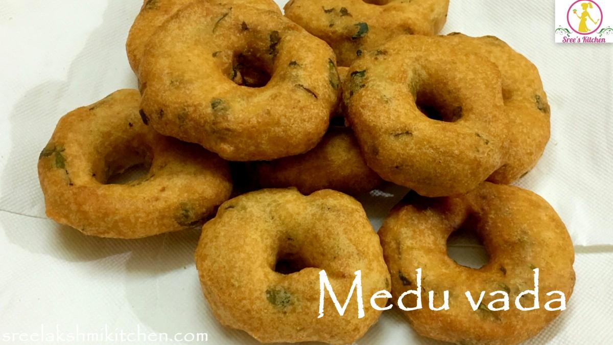 Medu vada | Urad dal vada | Crispy snack | मेदु वड़ा | மெது வடை